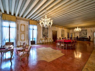 Photo for Gradenigo, a beautiful apartment in a venitian palace