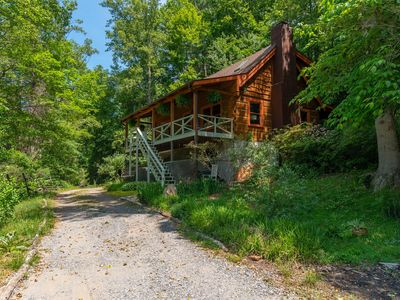 Photo for Asheville Mtn. Retreat Cabin with Hot Tub near BRP