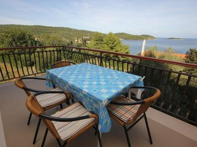 Photo for Two bedroom apartment with terrace and sea view Vis