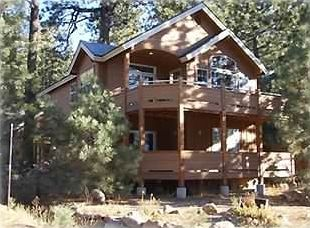 3 bedroom 2 1/2 bath home on Donner Lake