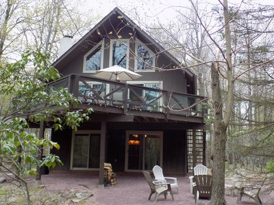 Lake Harmony Chalet POOL TABLE, WIFI, FIRE PIT! Close to Lake and Restaurants!