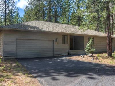 Photo for 12 Diamond Peak is a single level home close to park and pool.