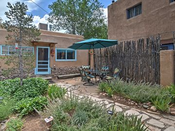 Idyllic 2BR Santa Fe Cottage w/Lovely Courtyard!