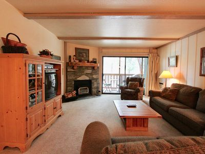 Photo for Summit #5 Getaway, 1 bed/1 Bath condo-sleeps 4-walk to the lifts or shuttle