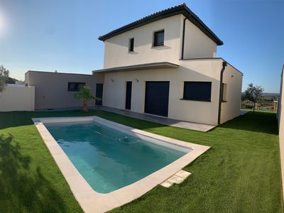 Photo for VILLA with pool, breathtaking view of Sesquiers lake