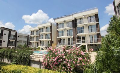 Photo for Seaside Two Bedroom Garden Apartment 4 to 6 people
