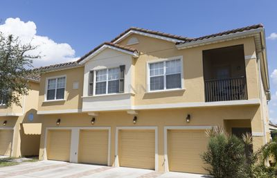 Photo for BEAUTIFUL LAKE VIEW, Best experience! Amazing home, 3BD! 10 min to Disney! 2825