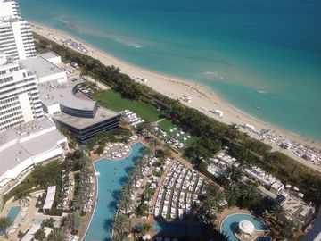 Fontainebleau -Breathtaking Resort Property on Beach, Ocean View Junior Suite