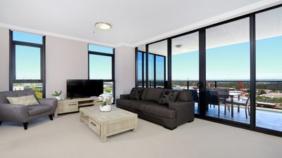 Photo for Australia Towers // 3 Bed 2 Bath Spacious and Modern Apartment, Olympic Park Views - 17.03