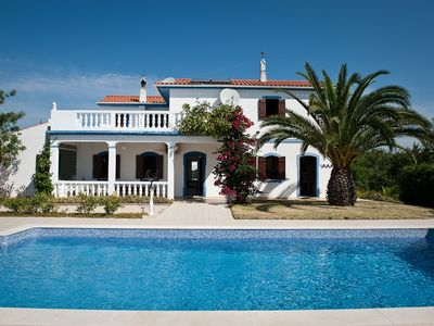 Photo for Lovely Villa with private pool near Moncarapacho, Eastern Algarve
