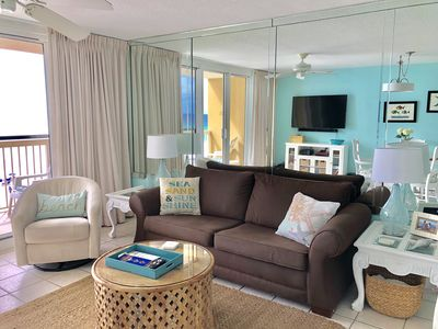 Living room with queen sleeper sofa and great ocean view