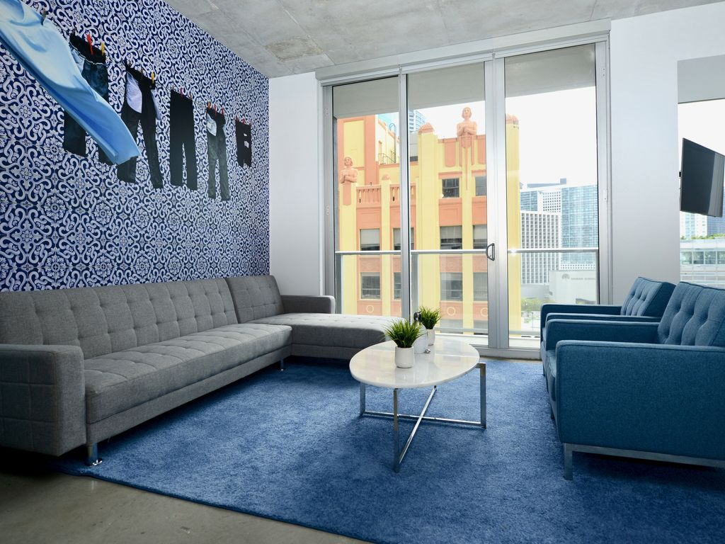 Modern Loft style studio with City View - Centro 1109