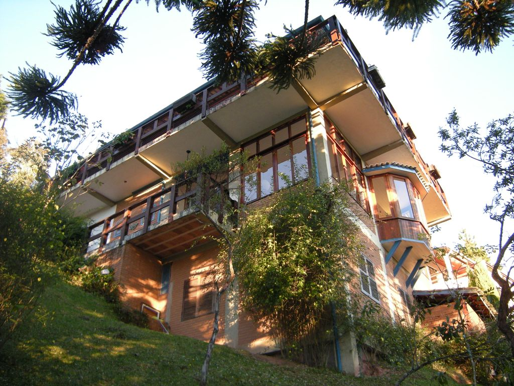 Astounding Super House Decorated Quiet Mountain Near The Capivari Largest Home Design Picture Inspirations Pitcheantrous