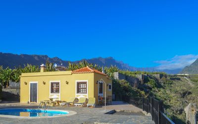 Photo for Holiday cottage with private pool in  Tazacorte
