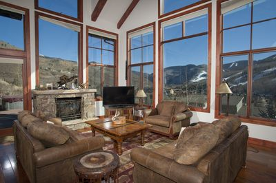 Relax with your group or family with the best views of Vail slopes & mountain