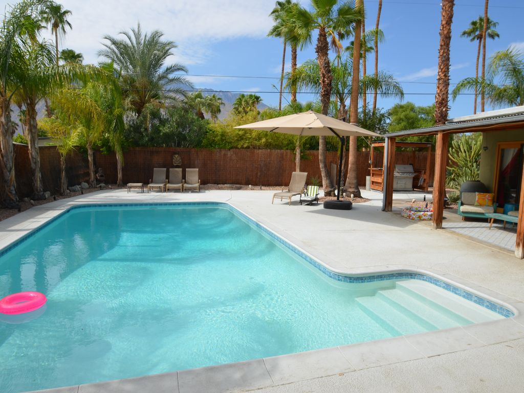 Dog Friendly Vacation Rentals Desert Hot Springs