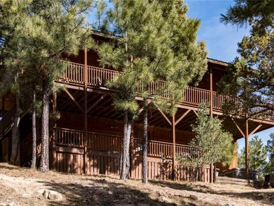 Photo for Upper Canyon Lodge, 4 Bedrooms, Sleeps 8, Hot Tub