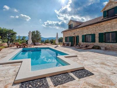 Photo for Holiday cottage Stari Grad for 10 persons with 5 bedrooms - Holiday home