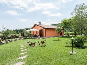 "Tuscany Villa ""il Botteghino"" Swimming pool - Garden 800sqm - Bbq - 2km from the center"
