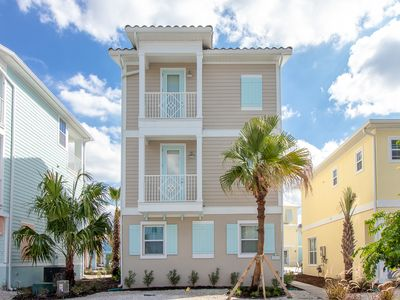 Photo for Margaritaville Resort Orlando - 4 bedroom/4 bath cottage - 8012 Sand Bar Drive