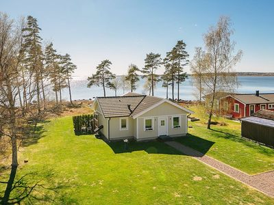 Photo for Holiday home on Lake Vänern overlooking Kinnekulle and Torsö