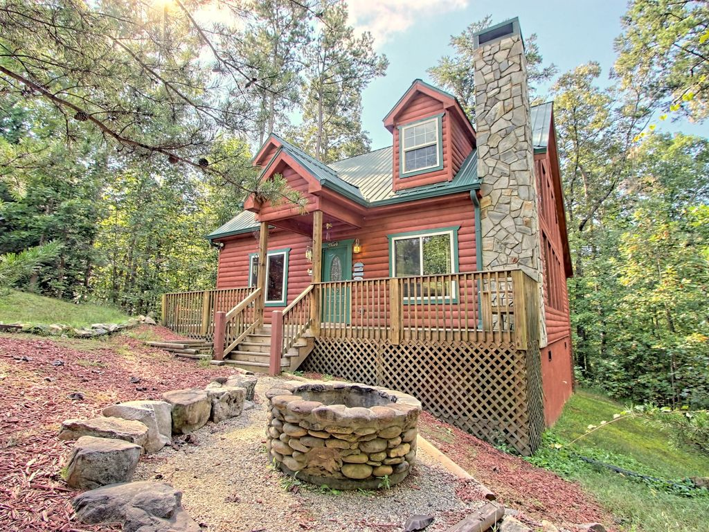 Enjoyable Dog Friendly Two Story Cabin In Woods W Screened In Deck Hot Tub Pool Table Sautee Nacoochee Download Free Architecture Designs Embacsunscenecom