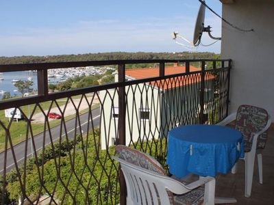 Photo for One bedroom apartment with balcony and sea view Pula