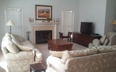 Photo for Great Location: Close to shops and restaurants 15 mins to Emerson /LakePoint