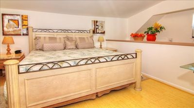 Photo for Experience Majestic Treasure Island in Charming Beach Cottage!