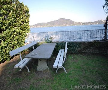 Photo for House on the lake with direct access from the garden ..