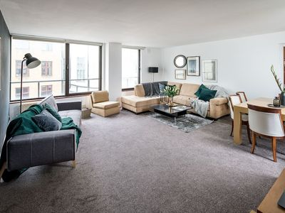 Photo for Spacious, 2 Bed/2 Bath w/Luxury Ensuite in Mayfair