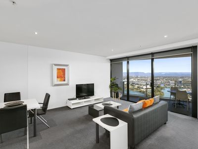 Photo for ♦️ Circle on Cavill – 2 Bedroom Hinterland — We Accommodate