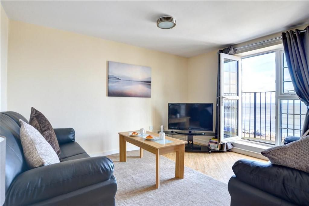 Royal Sands - Two Bedroom Apartment, Sleeps 4