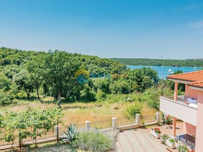 Photo for Apartment 305/674 (Istria - Banjole), Budget accommodation, 300m from the beach
