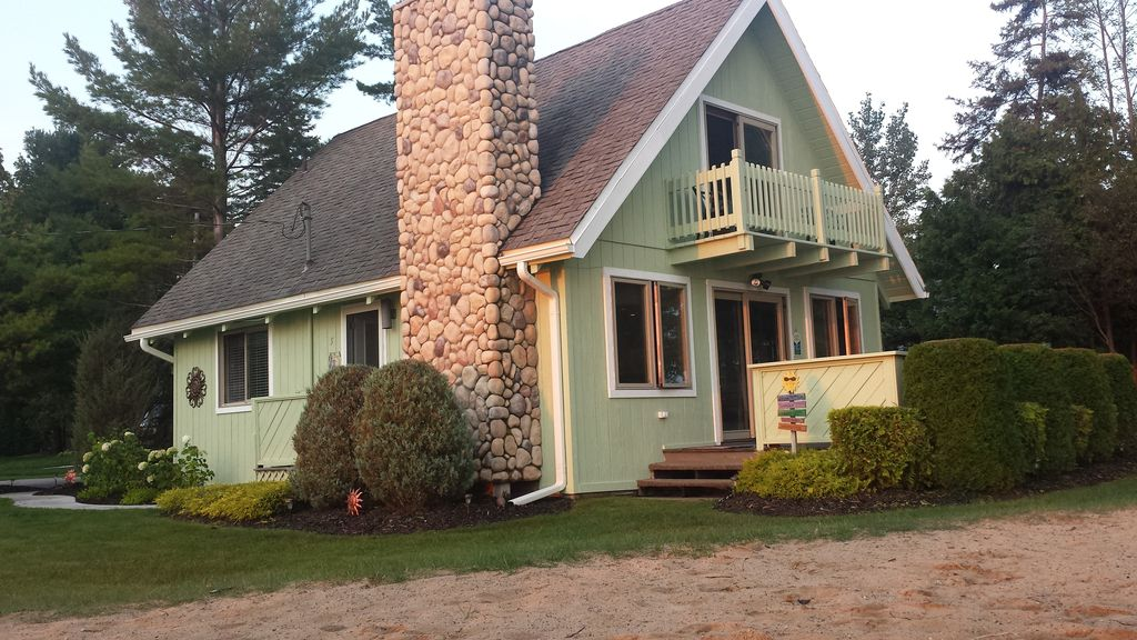 Awesome Lakefront Beach Vacation Rental Convenient Location To All Quot Hot Spots Quot Oden Michigan