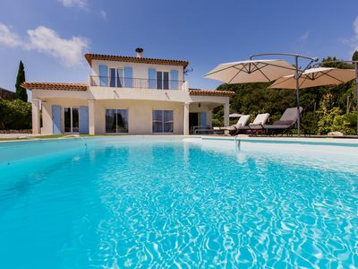 Photo for Amazing villa with sea view, pool and character only 15mns away from centre