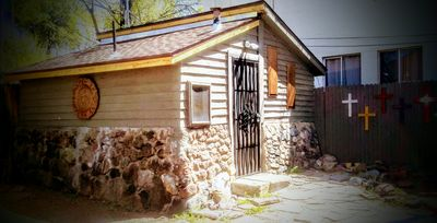 Photo for Cottage/Studio Centrally located, minutes from downtown Prescott RV PARKING