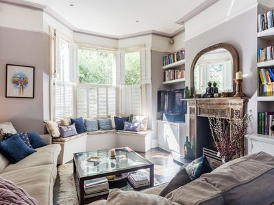 Photo for Fabulous 3 Bed House in Trendy Hammersmith