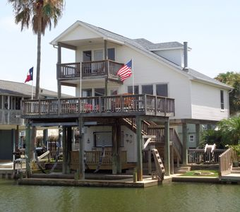 VITAMIN SEA 3/3 House in Jamaica Beach with views of Galveston's West Bay!!