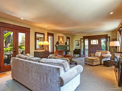 Spacious Luxury Apartment at Tropical Resort-like Oasis by Balboa Park