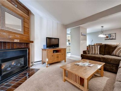 Photo for Beautiful 1 Bedroom Condo w/Onsite Pool, Tennis Court & Sauna, Great Summer Getaway