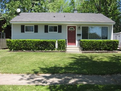 Photo for Rudy's Retreat - Charming South Haven Cottage close to beach and shopping
