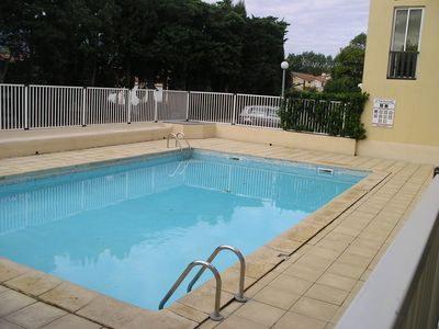 Photo for 2 room apartment 5 people Parking Swimming pool 350m from the beach