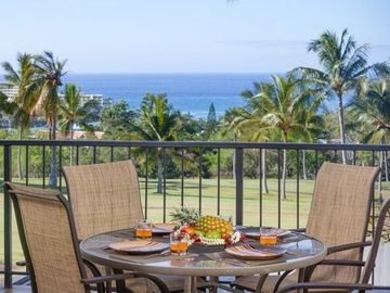 Breathtaking Ocean and sunset views at Country Club Villas