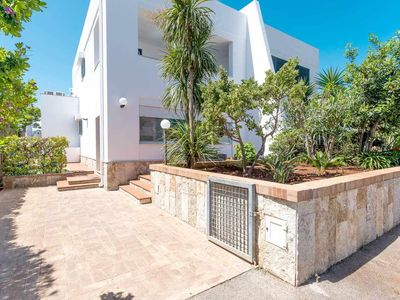 Photo for Villa with private garden - 2 BIG PATIO - 4 bedrooms - 2 Shower -Parking - AC