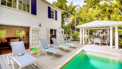 **PAPA'S CASITA @ OLD TOWN** 3BR ½ Block to Duval & Pool + LAST KEY SERVICES...