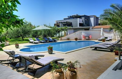 Photo for Apartment with pool, air conditioning - to sandy beach 700 meters