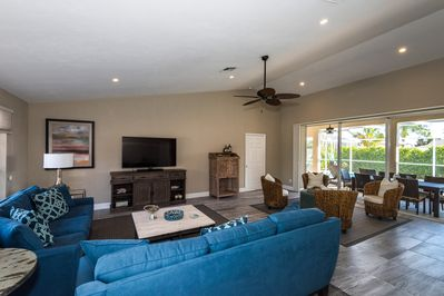 Living area provides plenty of space to relax