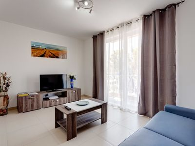 Photo for Modern 1BR Apartment in a Central Location