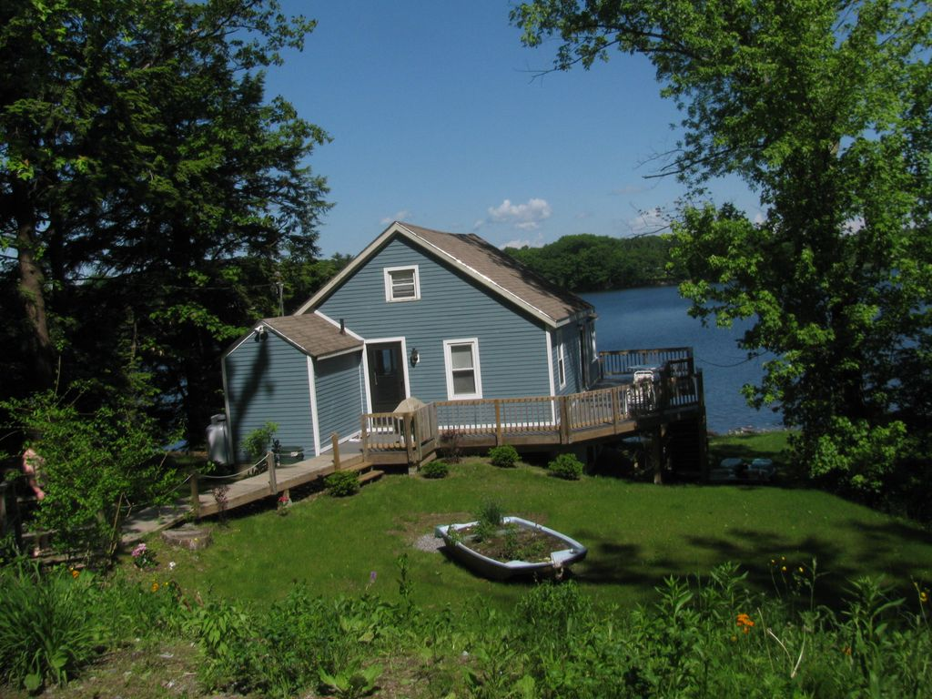 lodging maine in and cabin mud rentals cottage little big